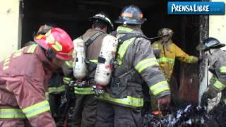 Incendio consume piñatería y deja pérdidas por más de Q70 mil
