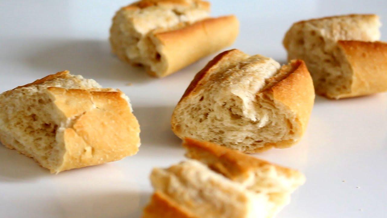 Transformer du pain dur en pain frais youtube for Congeler du pain frais