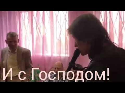 Олег Апрель.