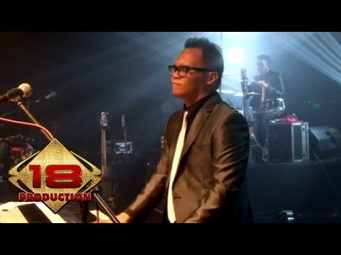 Kerispatih - Tak Lekang Oleh Waktu  (Live Konser Surabaya 5 Desember 2014)