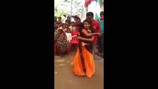 কি হচ্ছে এসব - গ্রামের মেয়েরা এমন খোলা মেলা নাচ করে - bangla hot song- new sexy song