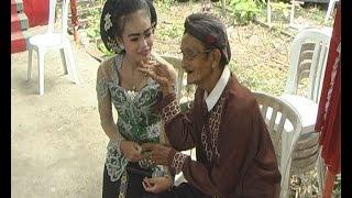 """Download Video PARAH GAN !!! .... """" ANUNYA """" LEDHEK DI PEGANG AKI AKI GANJEN LUCU MP3 3GP MP4"""