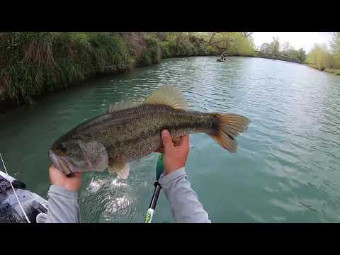 Kayak Bass Fishing - All It TAKES Is ONE Cast(totally Shocked)