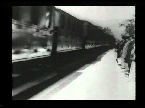 Early cinema 1   Train arriving 1895