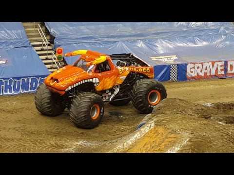 Monster Jam Pittsburgh, PA 2017 (Feb. 11th 1:00 Show) Wheelies & ATV Racing