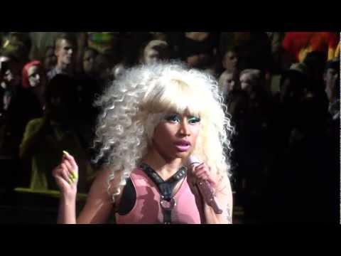 Nicki Minaj Super Bass Live Montreal 2011 HD 1080P