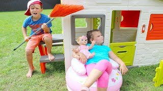 Ali and little sister Pretend Play with Food Toys in Playhouse for kids
