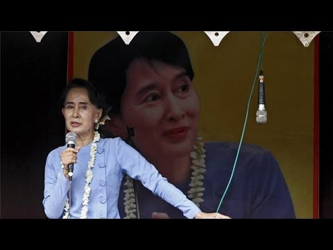 """Aung San Suu Kyi """"Purged"""" Muslim Candidates from Myanmar Opposition Party"""