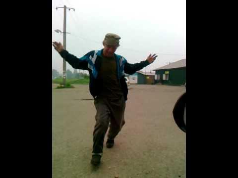 Мужик жгет очень смешное видео!!! г. Нижнеудинск