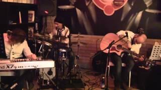 MaMa Acoustic Trio