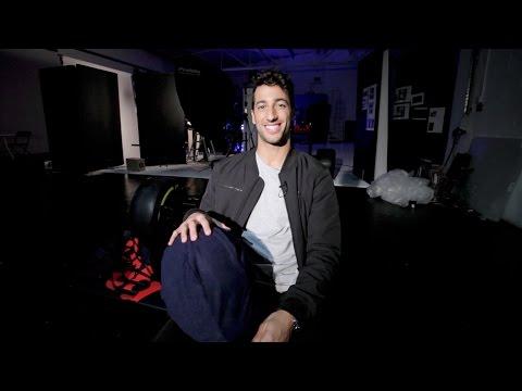 Daniel Ricciardo reveals his 2017 helmet design