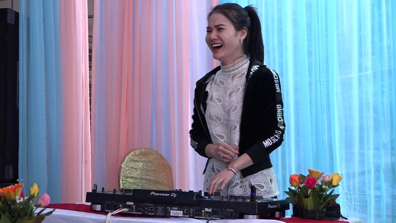 HỌC SINH CHƠI DJ TRONG ĐÁM CƯỚI – GÂY SỐC