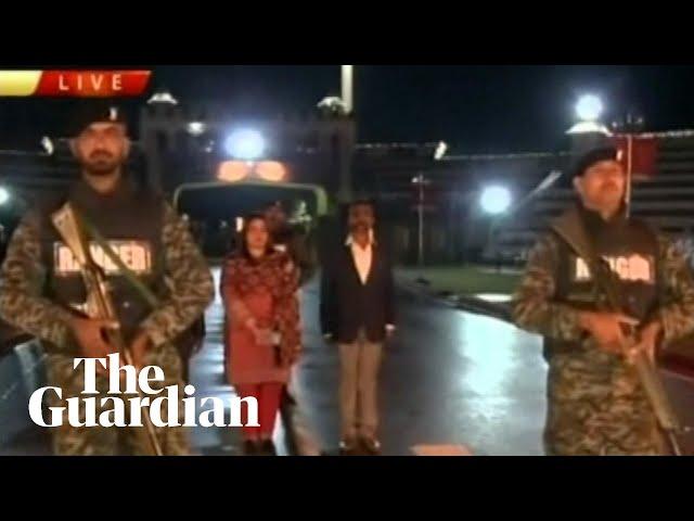 Pakistan returns captured Indian pilot