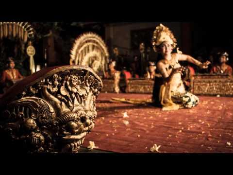 "Gamelan Gong Kebyar: Sekar djepun (I Wayan Gandra, ""Gunung Sari"")"