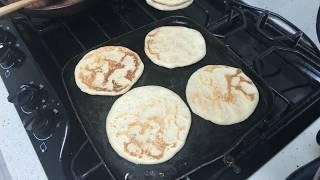 Haciéndole tortillas a Víctor