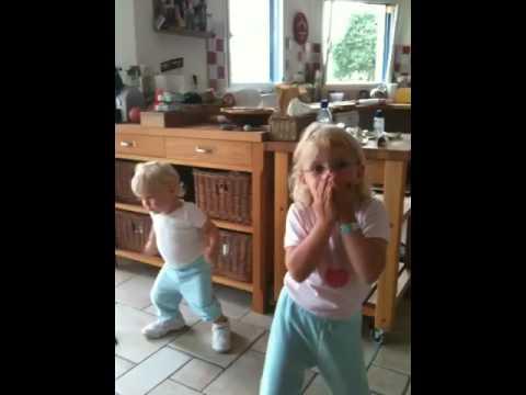 Helena au chant! Marius danse !