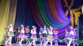 Супер Танец Калинка-Малинка!!! Лизочка выступает!!!(, 2015-04-02T20:24:06.000Z)