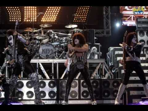 KISS - STAND (SONIC BOOM)
