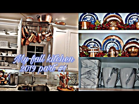 Clean with me Part #1 decorateing my kitchen for fall 2019