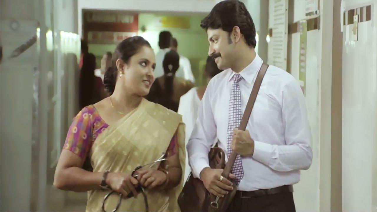 വീക്കെൻഡിൽ നിന്നെ ഞാൻ  കുറെ ട്രൈ ചെയ്തതല്ലേ    Romantic Scenes  Namboothiri Yuvavu @43