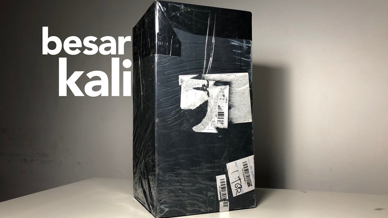 Paket Raksasa dari China