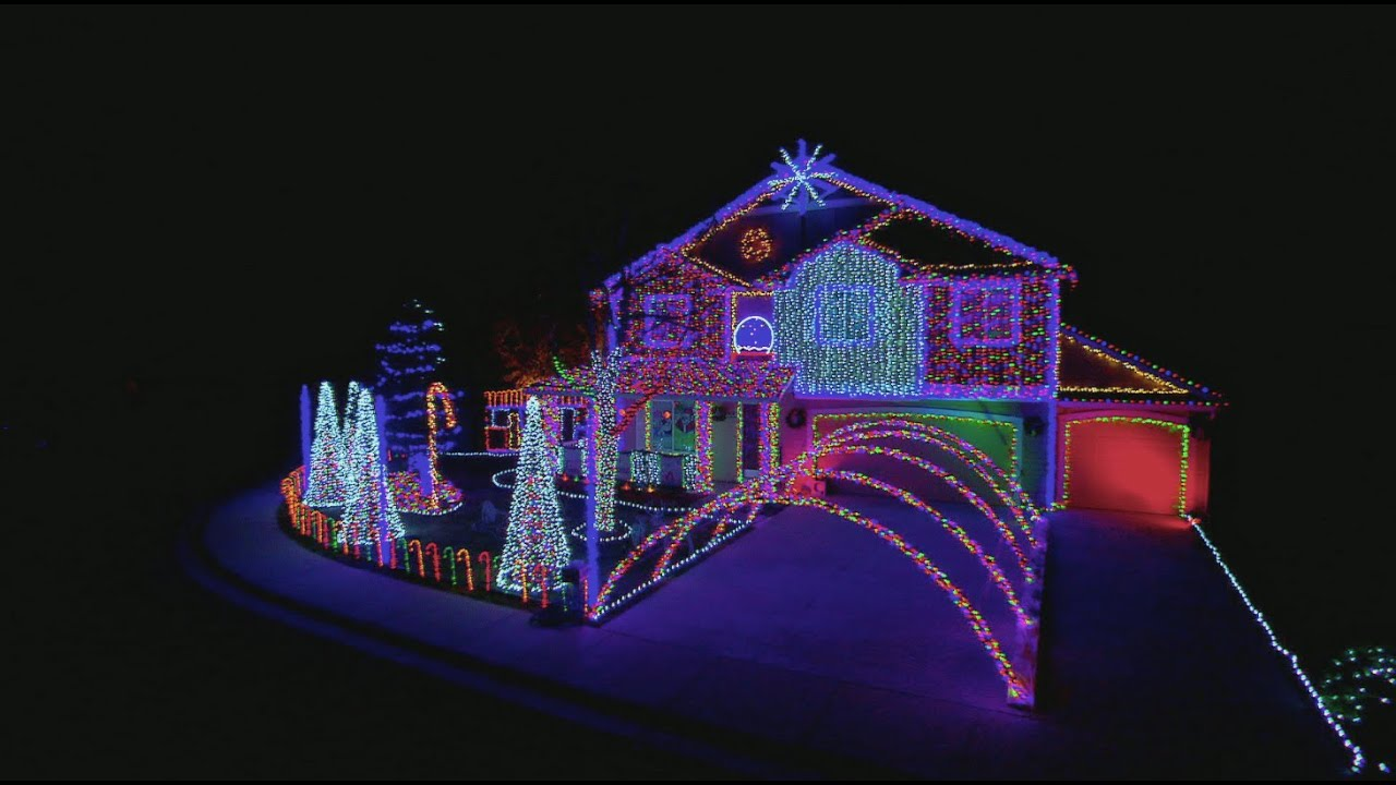 Dubstep Cadger Family Light Show - The Great Christmas Light Fight ...