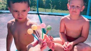 Прыжки на Батуте: Обучение Детей Цвету  ► Kamilchiki TV