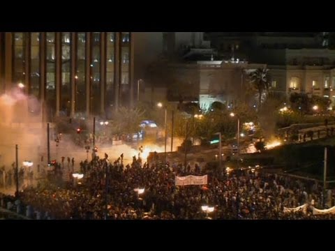 Violence erupts at Greek parliament protest