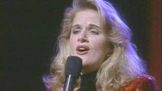 Trisha Yearwood - Sweet Little Jesus Boy