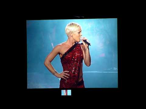 P!nk In Sydney, June 26, 2009 - Ave Mary A