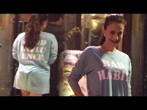 Ameesha Patel Without PANTY In Restaurant thumbnail