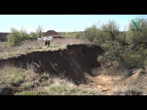 В Пермском крае деревня медленно уходит под землю