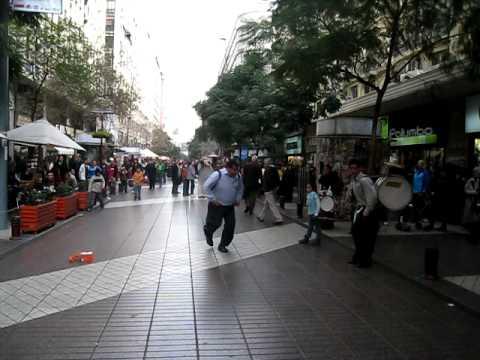 Chinchineros en las calles de Santiago de Chile