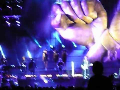 Johnny Hallyday - Mourir d'amour enchainée. Stade Bonnal, Sochaux le 05/06/12.