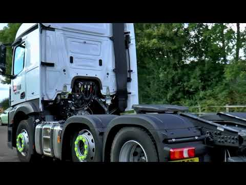 TRUCKS ARRIVING AT CHESHIRE COUNTY SHOWGROUND SEPT 2017