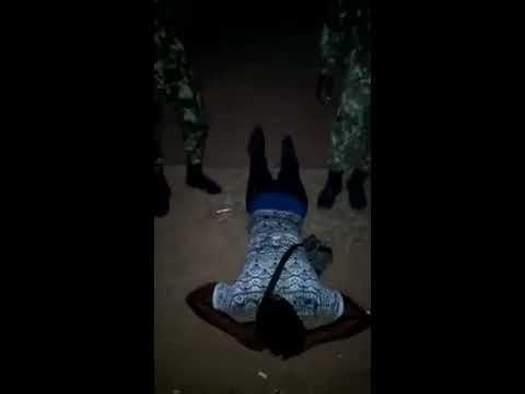 Jovem espancado e humilhado por militares em Maputo