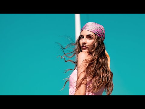 Смотреть клип Kate Linn - Ya La