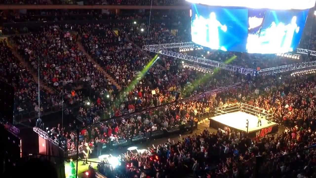 Wwe Live At Msg 12 26 13 Kane Vs Big Show Entrance W Booker T Guest Referee Youtube