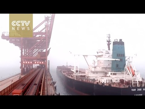 World's largest ore cargo ship arrives in China's Qingdao Port