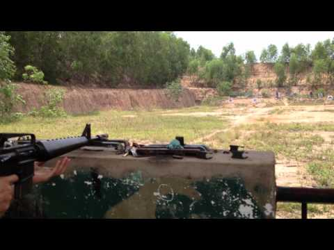 Bắn súng ak, m16,m1 tại địa đạo củ chi_2