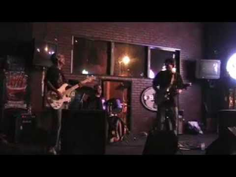 Toasty Ol Dudes - Radio Hanoi - Malones - 04.02.10.mov