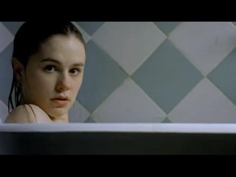 Darkness 2002    Anna Paquin, Lena Olin & Iain Glen