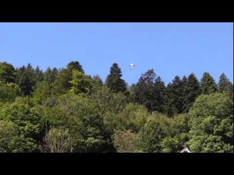 Fallschirmspringer stürzt ab