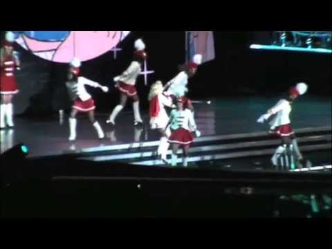 MADONNA - MDNA TOUR SANTIAGO DE CHILE - EXPRESS YOURSELF/GIVE ME ALL YOUR LUVIN'