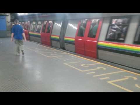 Metro de Caracas Tren Alstom Metropolis serie 9 estacion Ciudad Universitaria