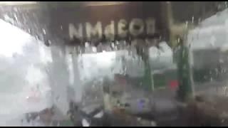 29.05.2017. Ураган в Москве. Ветер разрушает кровлю и облицовку АЗС