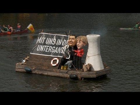 Bootsdemo auf der Spree: Mit Merkel & Gabriel in den Untergang