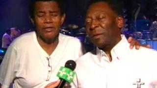 Pelé e Jair Rodrigues cantam juntos   Metrópolis   Pelé e Jair Rodrigues cantam juntos