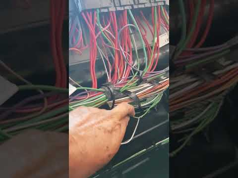 Maxxforce 13 air conditioner problem a/c not working - YouTubeYouTube