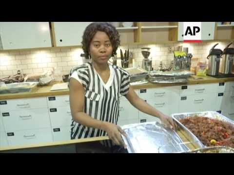 NY Food Delivery Service Hires Refugee Chefs